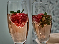 Champagne & Strawberries before Dinner at The Vine @ Cameo Heights Mansion