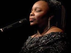 Lea Gilmore: Roots Cafe Singer-Songwriter Series