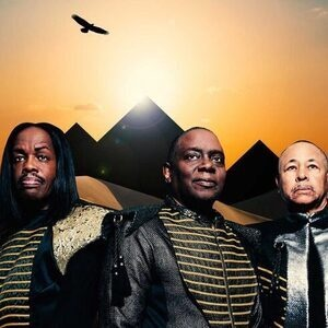 Earth, Wind & Fire: Bicentennial Celebration Concert