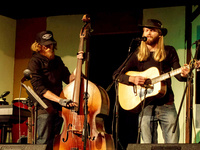 Tuesdays Tunes & Tastings: The Parkertown Pickers