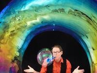 The Amazing Bubble Man @ Gesa Power House Theatre