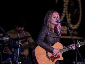 Eddie Owen Presents: Mary Fahl - former lead singer of October Project